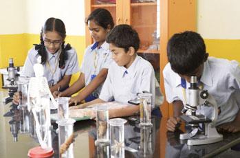 استاندارد آزمایشگاه مدارس