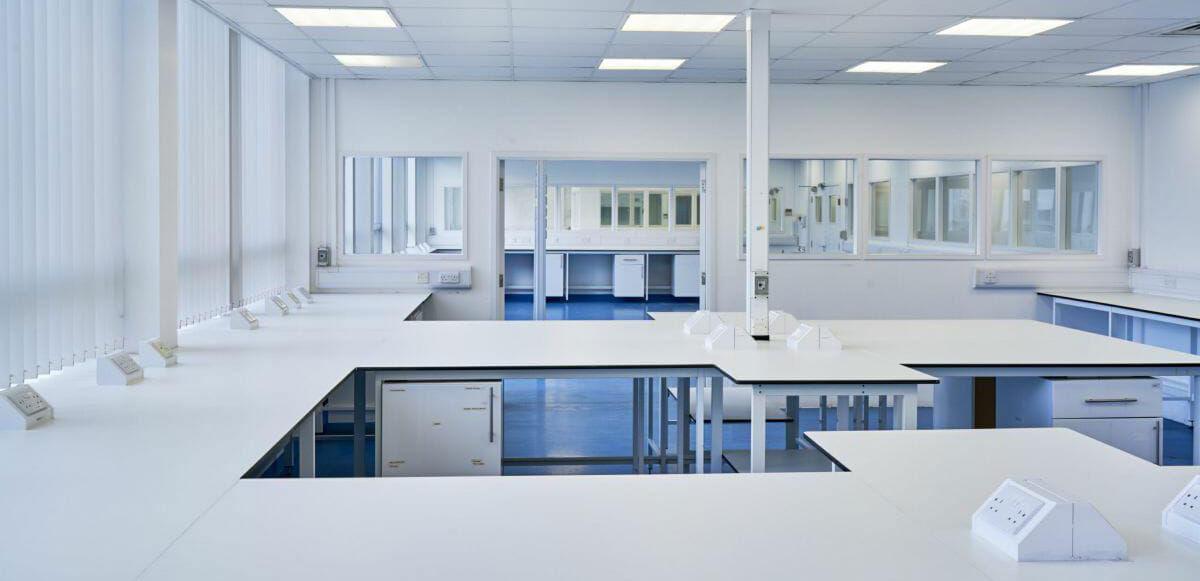 مشاوره ، تولید و اجرای هود و سکوبندی آزمایشگاهی