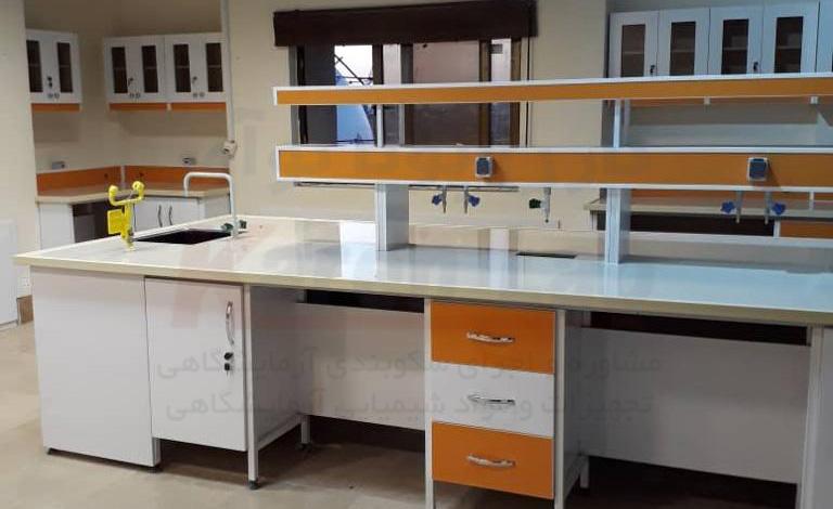 مشخصات میز دو طرفه آزمایشگاهی تولیدی Karen Lab